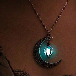 Luminous Moon Glow-In-The Dark Necklace Wicca